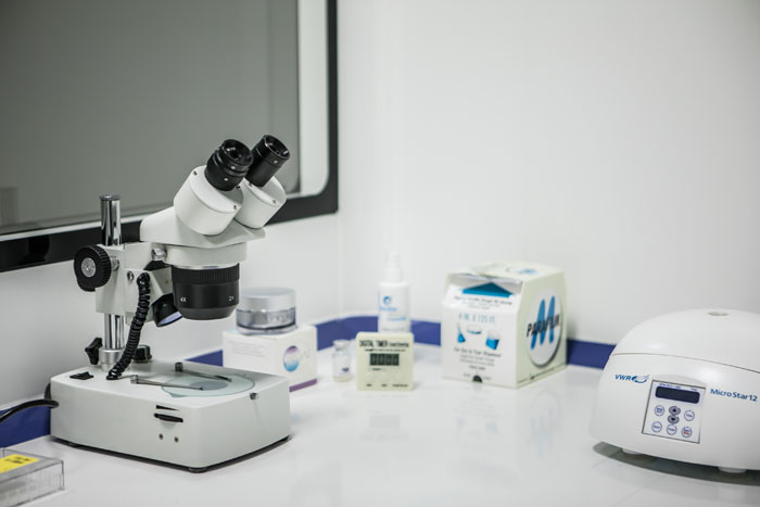 Instrumentos del laboratorio de Clínica Ercilla